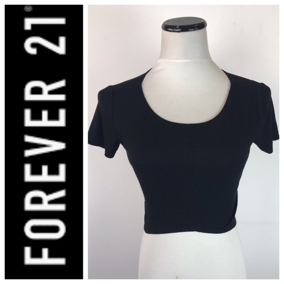 Forever 21 Tops - 🍁🍁 Forever 21 Short Sleeve Ribbed Crop Top